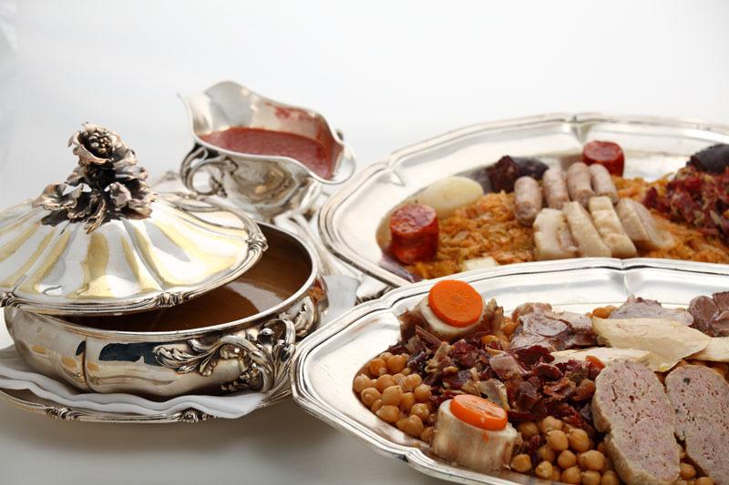 tradičné jedlo v Madride v tradičnej reštaurácii