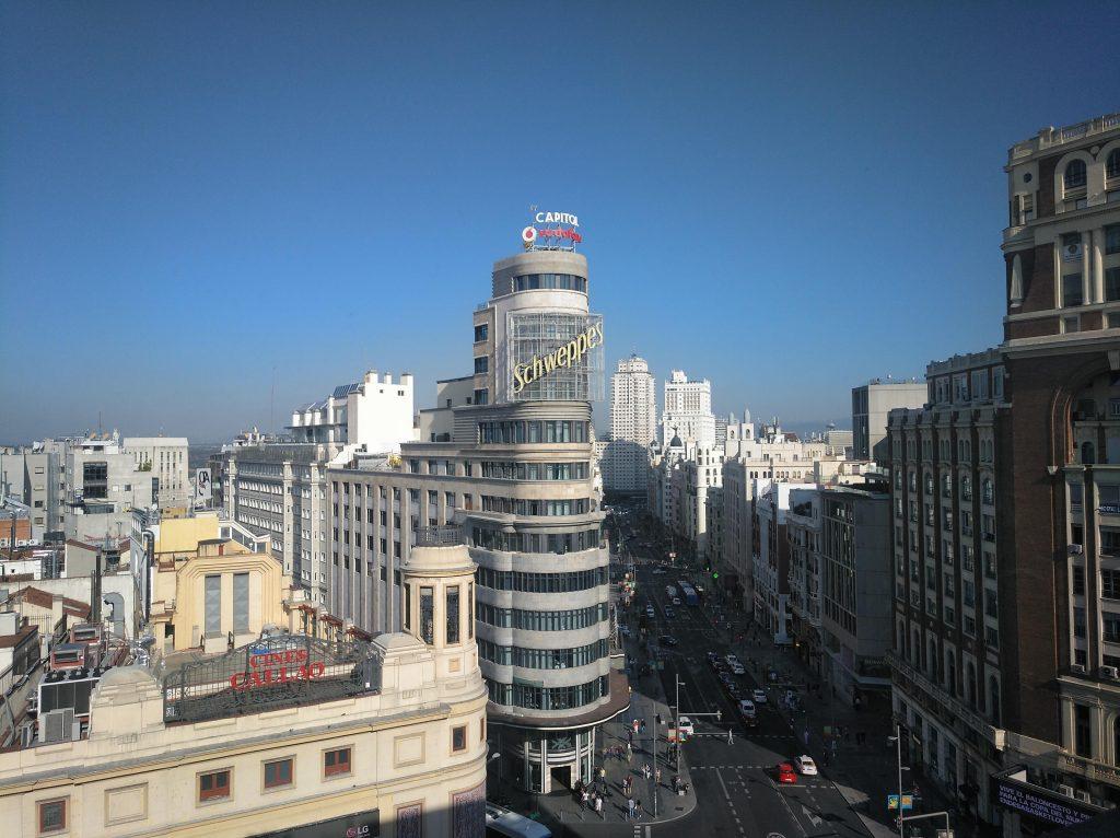 výhľad z terasy Gourmet Experience, ktorá patrí medzi najlepšie rooftop bary v Madride