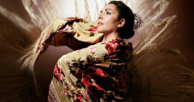 Flamenko tanečnice využívajú kus látky takzvaný mantón