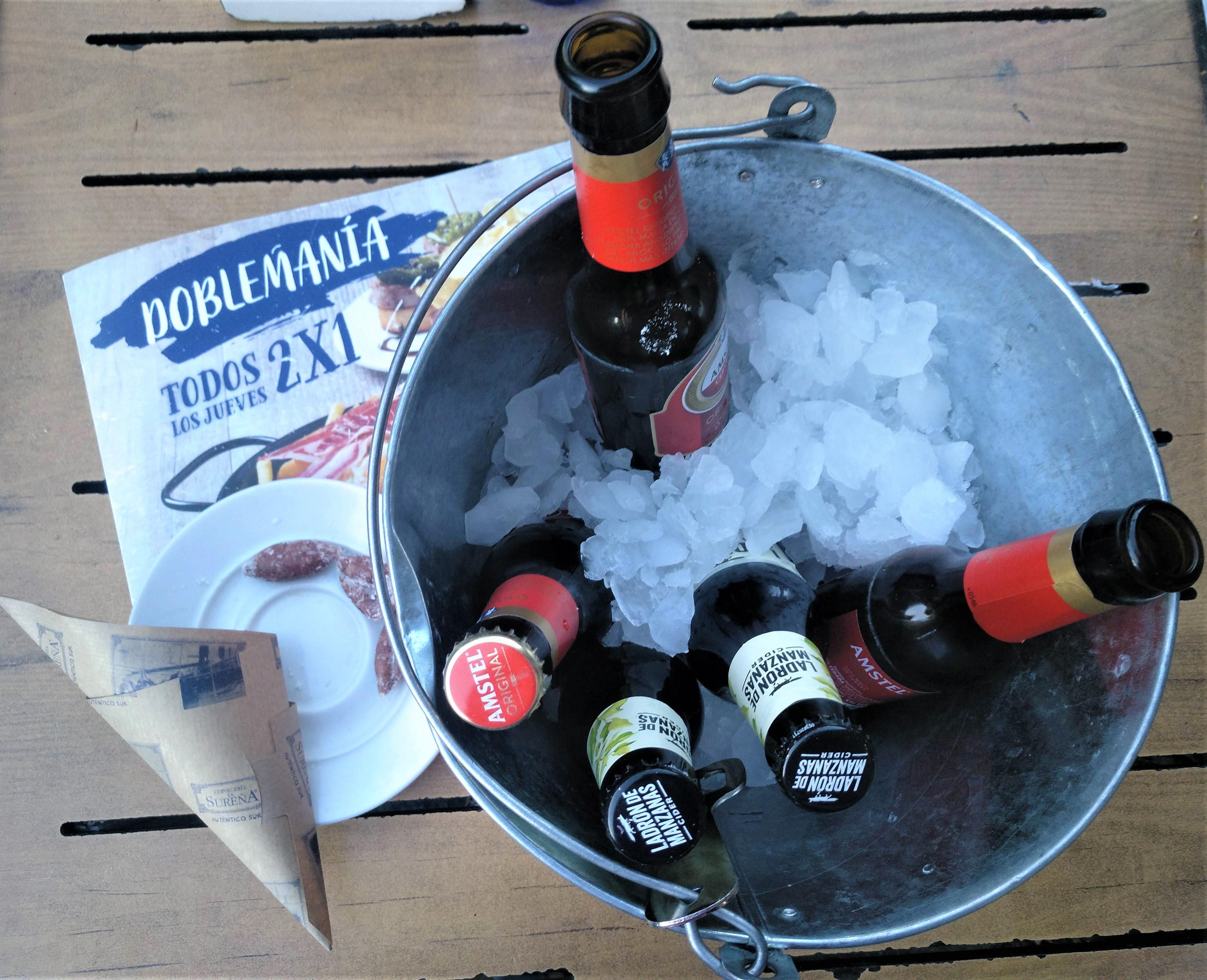 fľaškové pivo sa pije v Madride pri stretnutiach s priateľmi