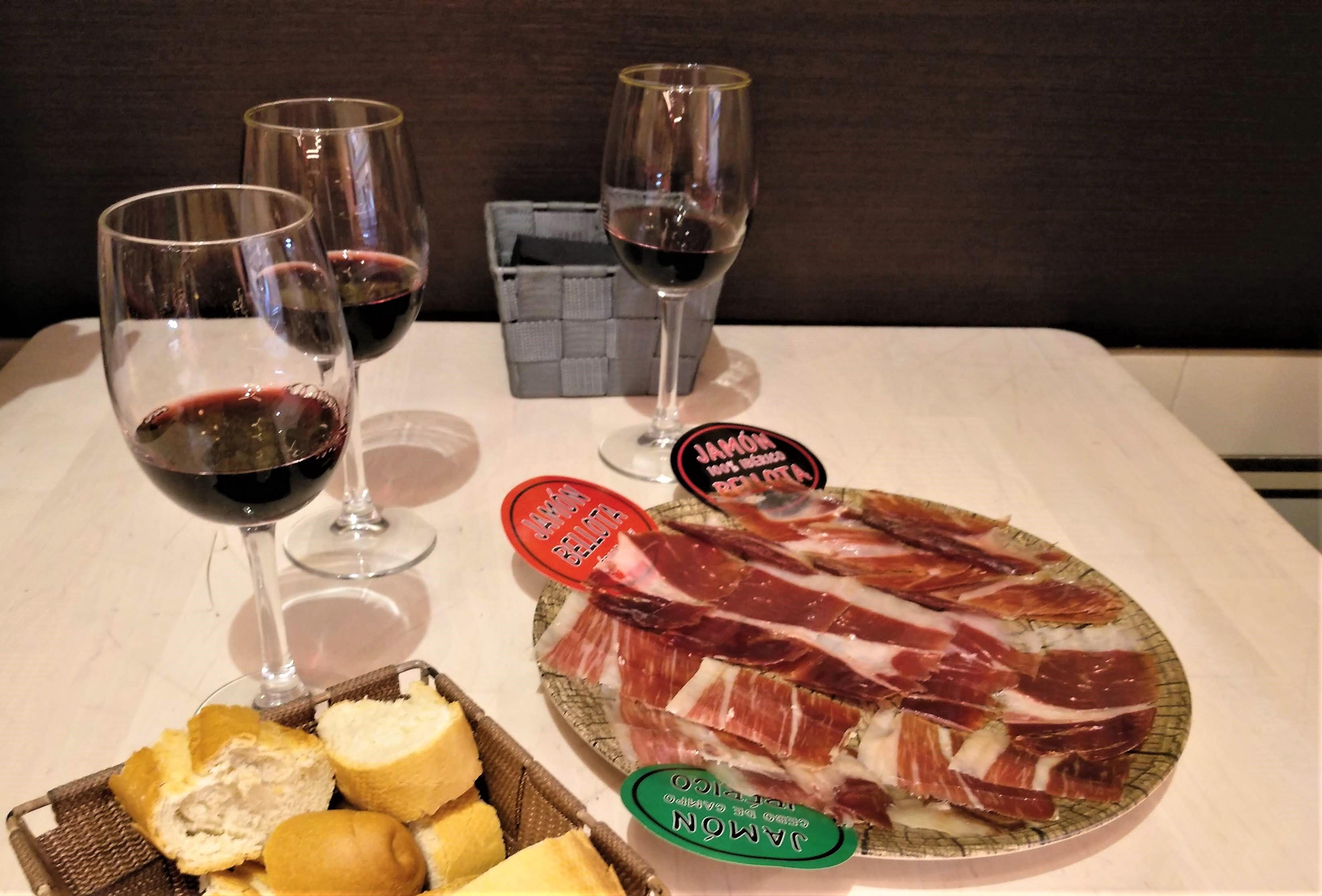 víno sa pije v Madride k obedu alebo mäsu