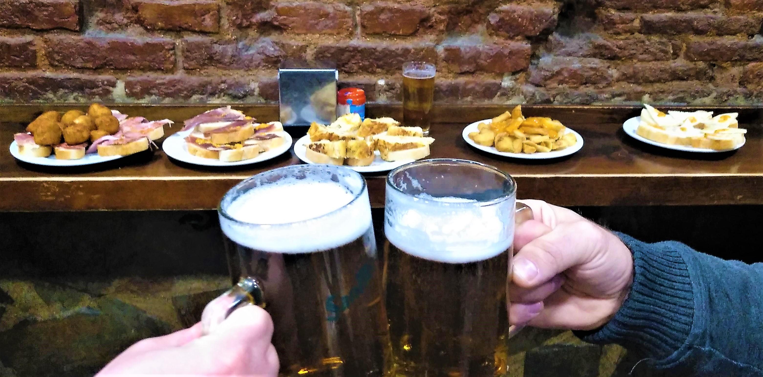 pivo sa pije v Madride spolu s tapas
