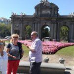 Vstupná brána do Madridu Puerta de Alcalá s klientami