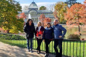 Krištáľový palác v parku Retiro s klientami