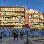 typický zhluk budov v Madride nazývaný La Corrala