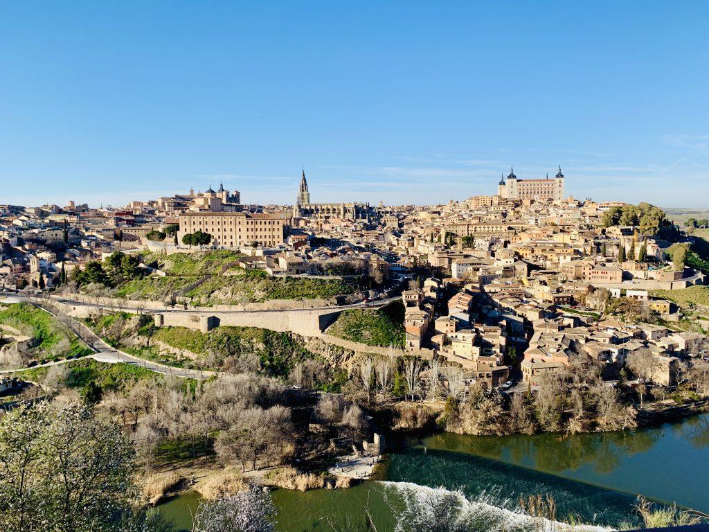 nádherný výhľad na Toledo z druhej strany rieky Tajo