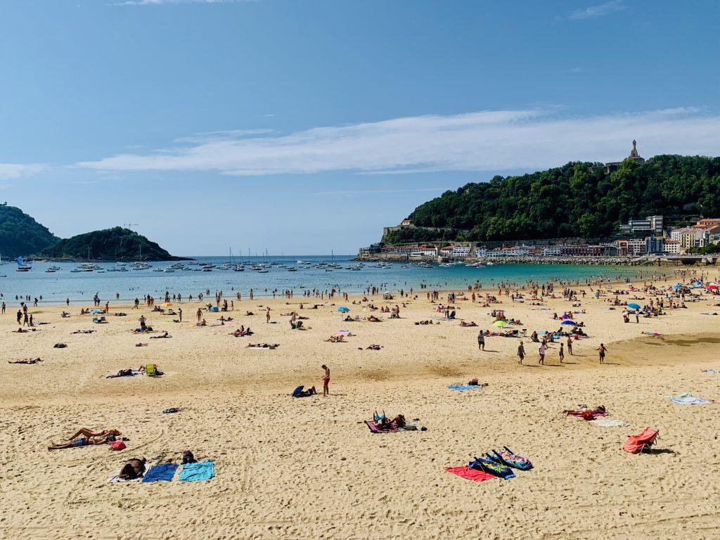 Pláž La Concha, San Sebastián, Španielsko