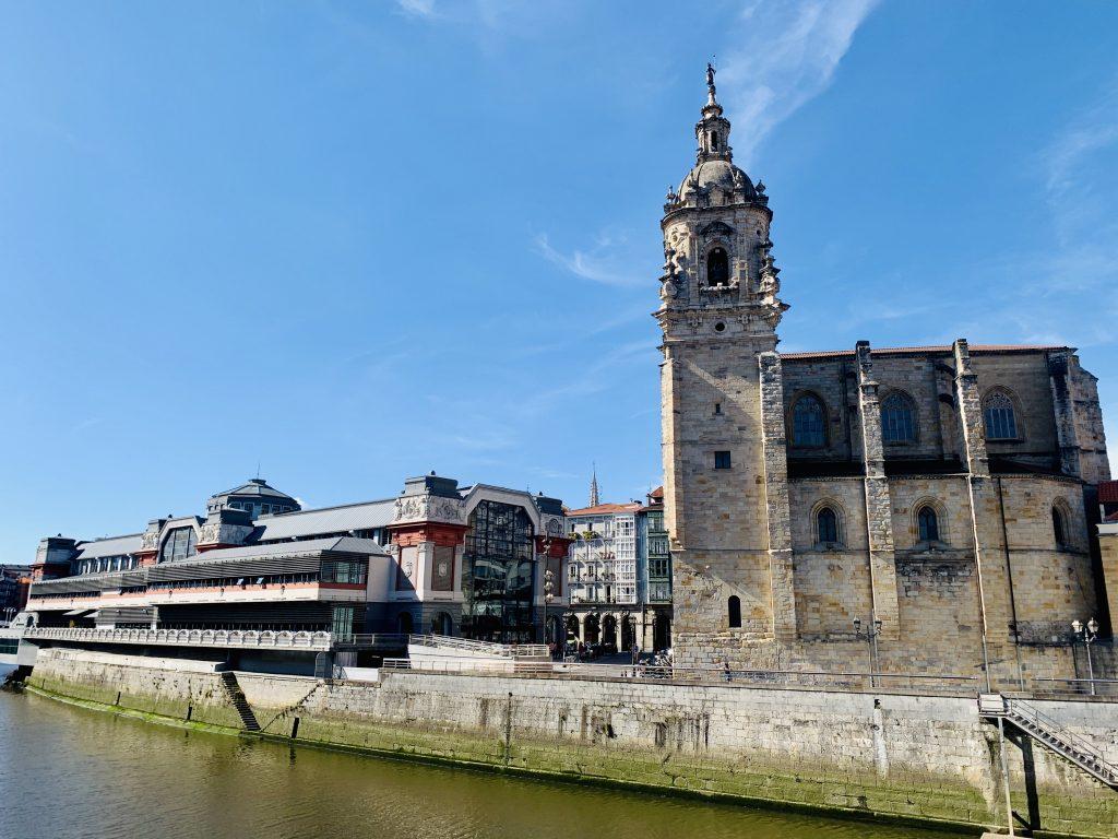 Mercado de la Ribera a kostol San Antón, Bilbao