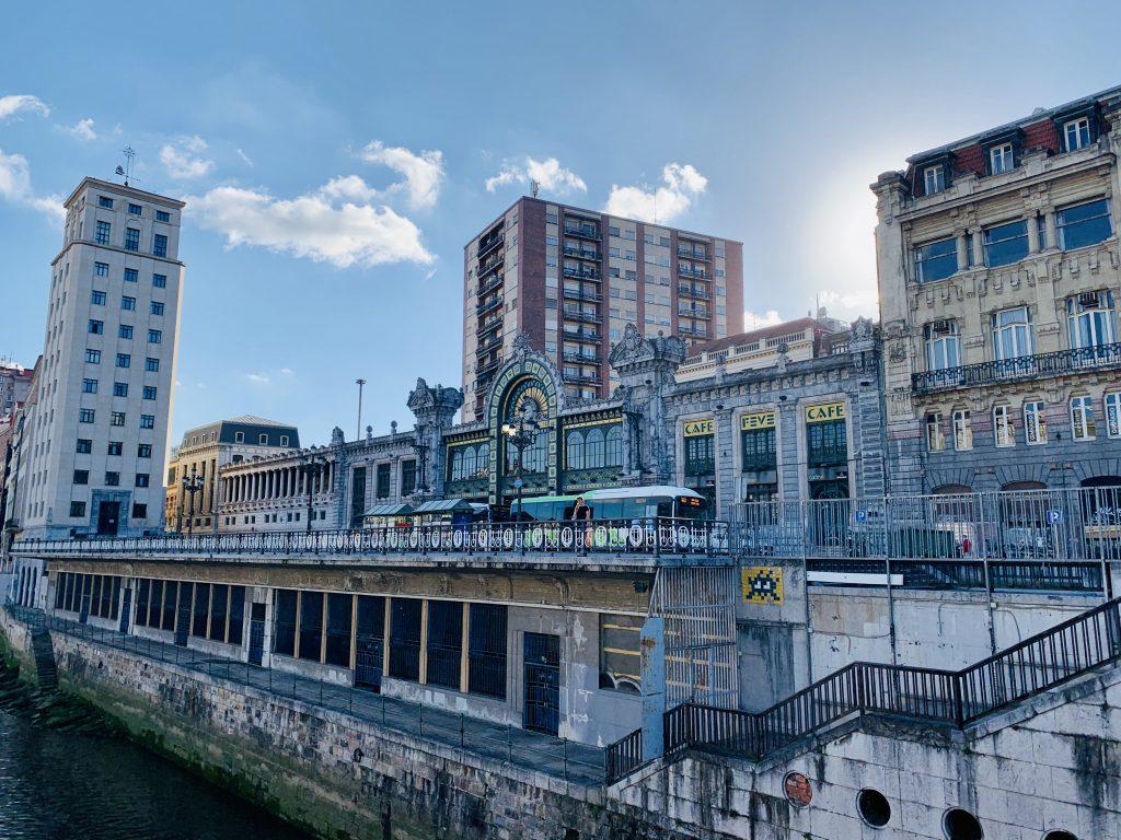 Železničná stanica v Bilbau